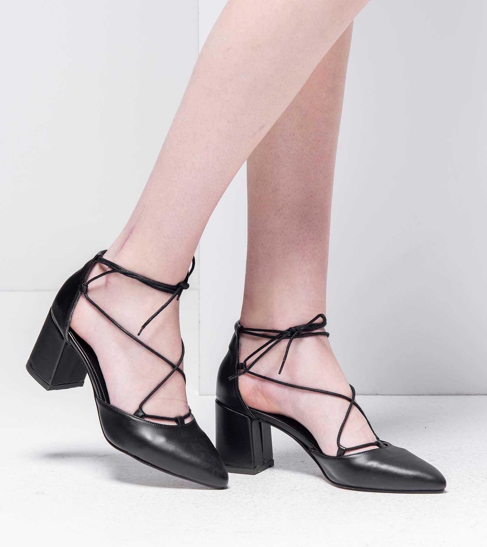 Loren Topuklu Bağcıklı Cilt Ayakkabı Siyah