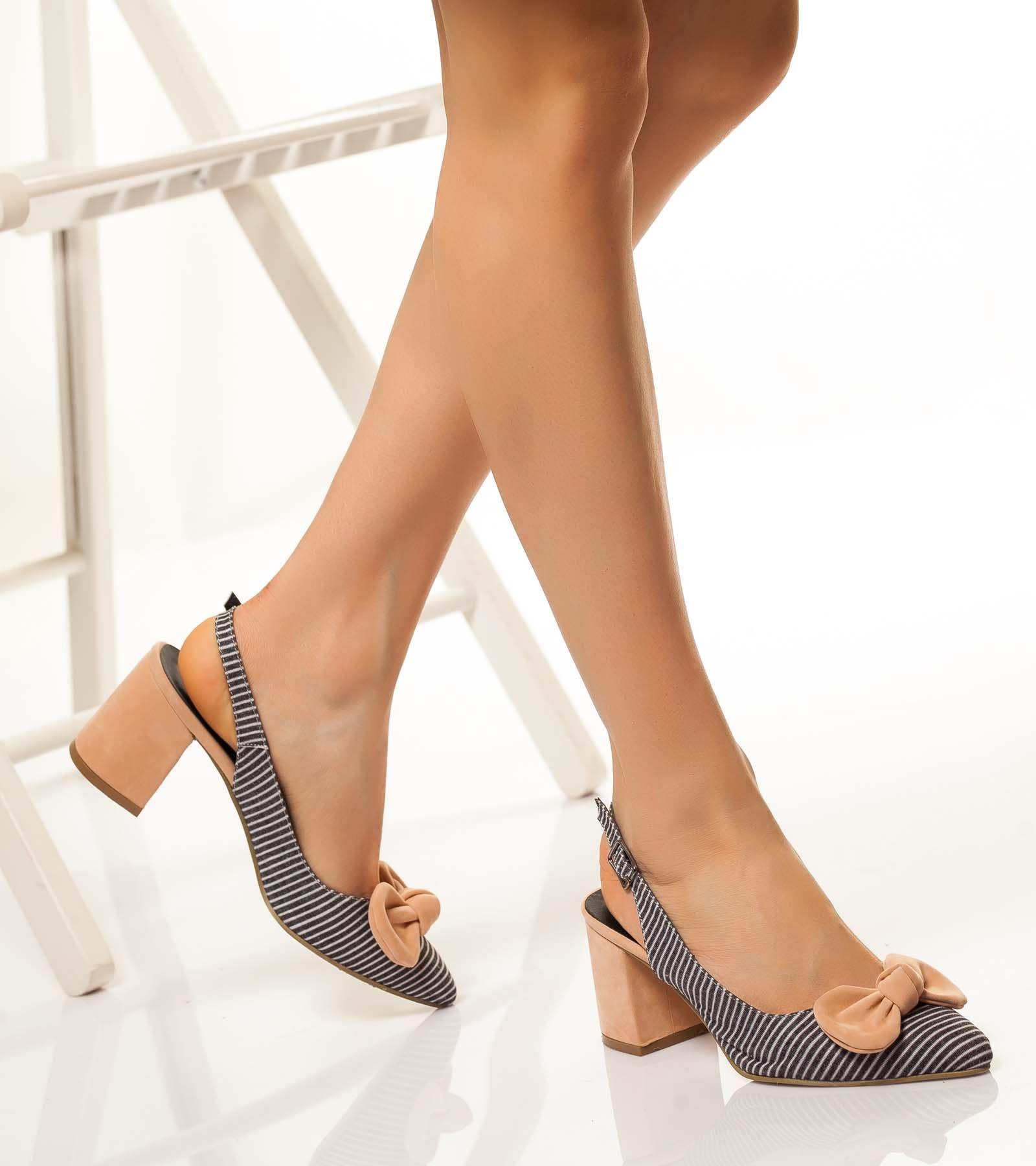 Sarina Topuklu Fiyonklu Ayakkabı Pudra