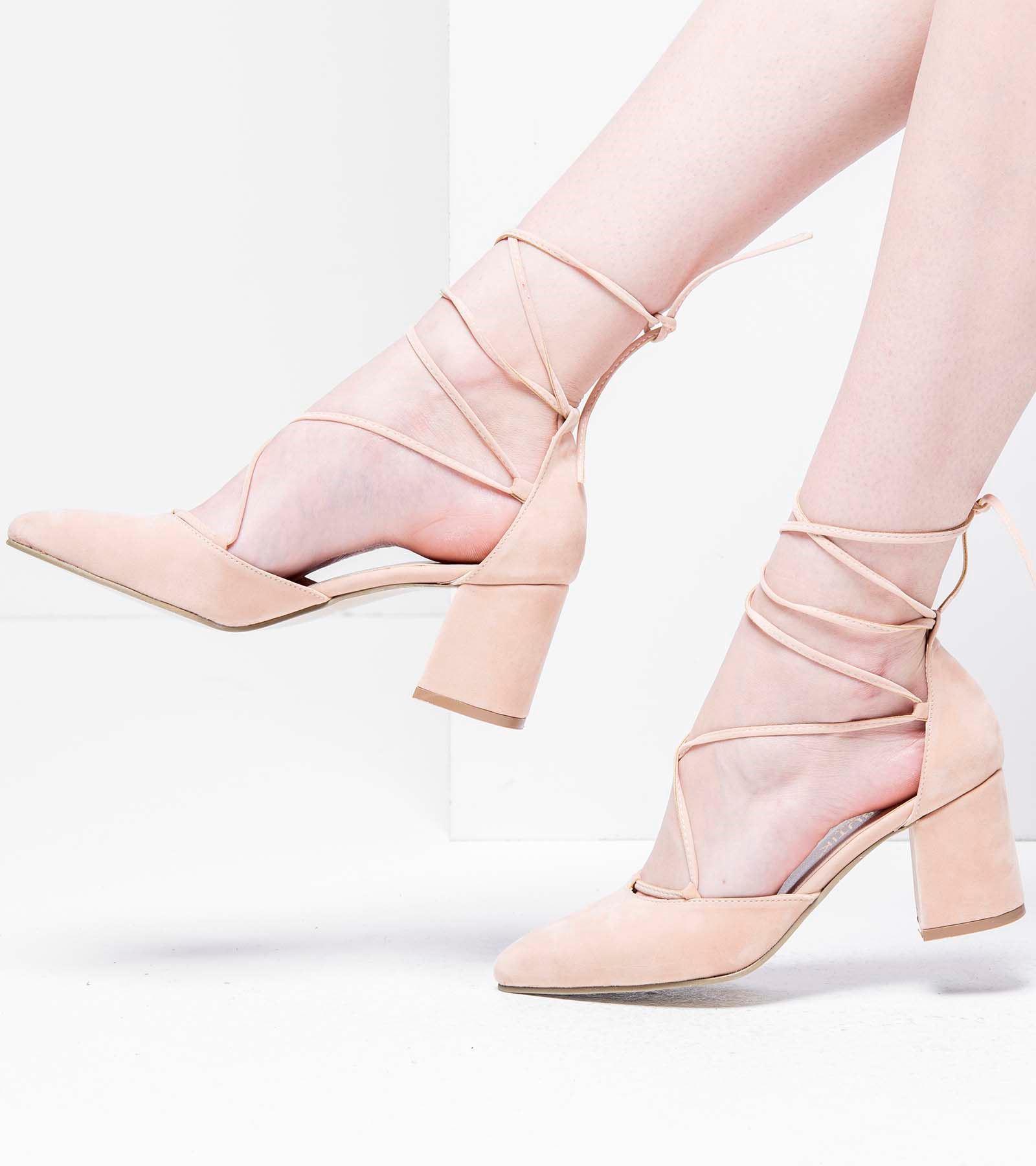 Lucy Topuklu Bağcıklı Süet Ayakkabı Pudra