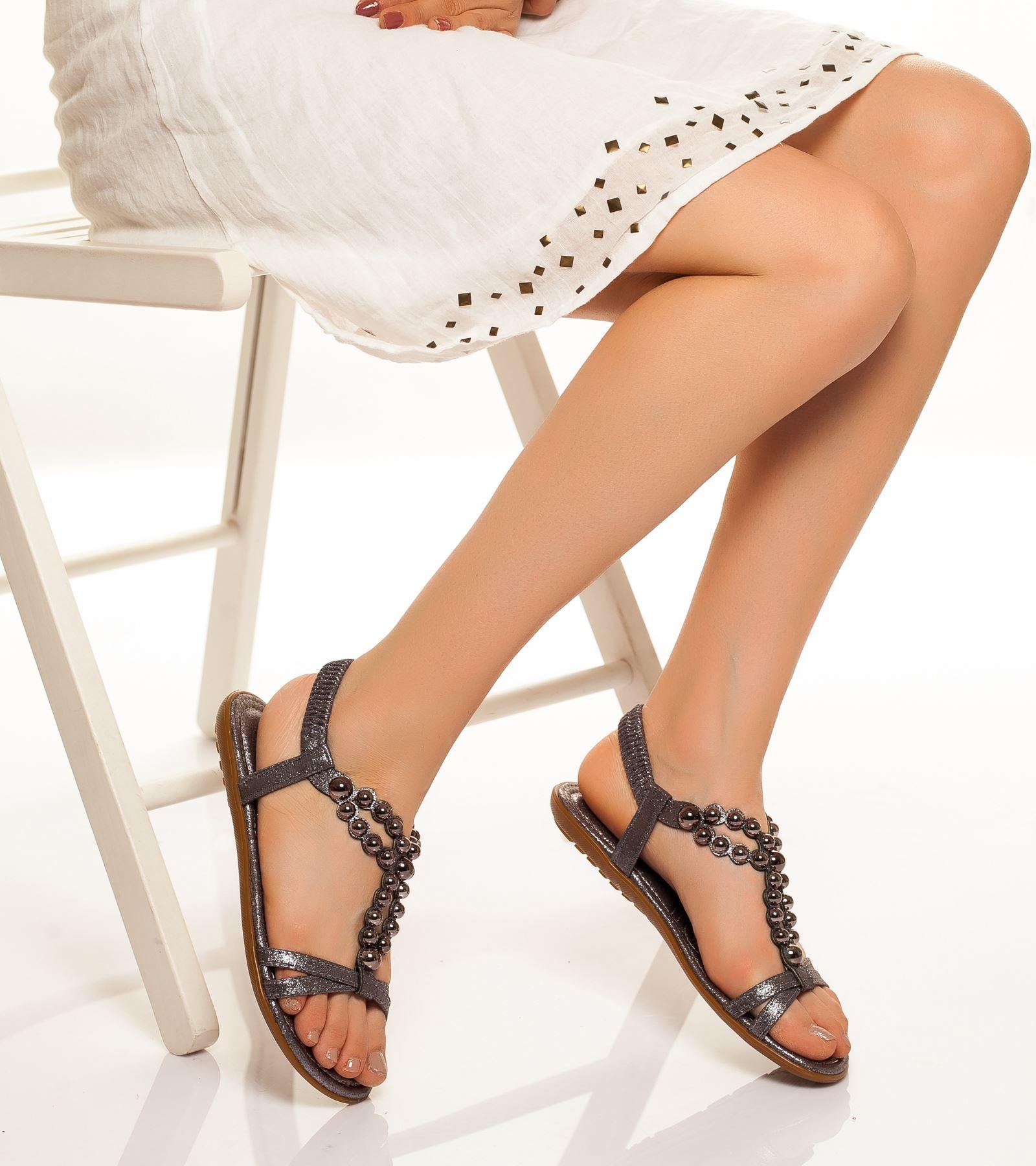 Dilara Bilekten Bağlamalı Sandalet Gri