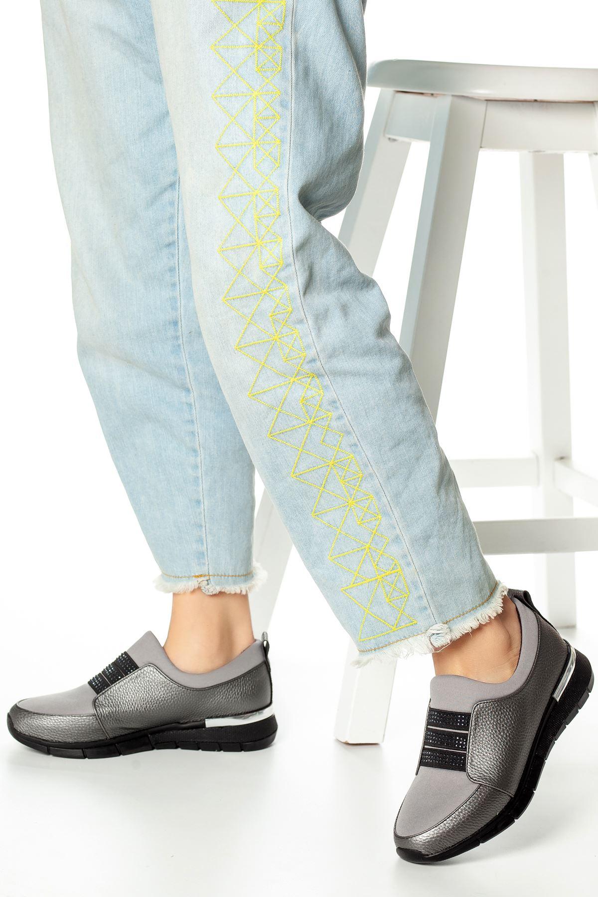 Benya Bant Detaylı Ayakkabı Platin