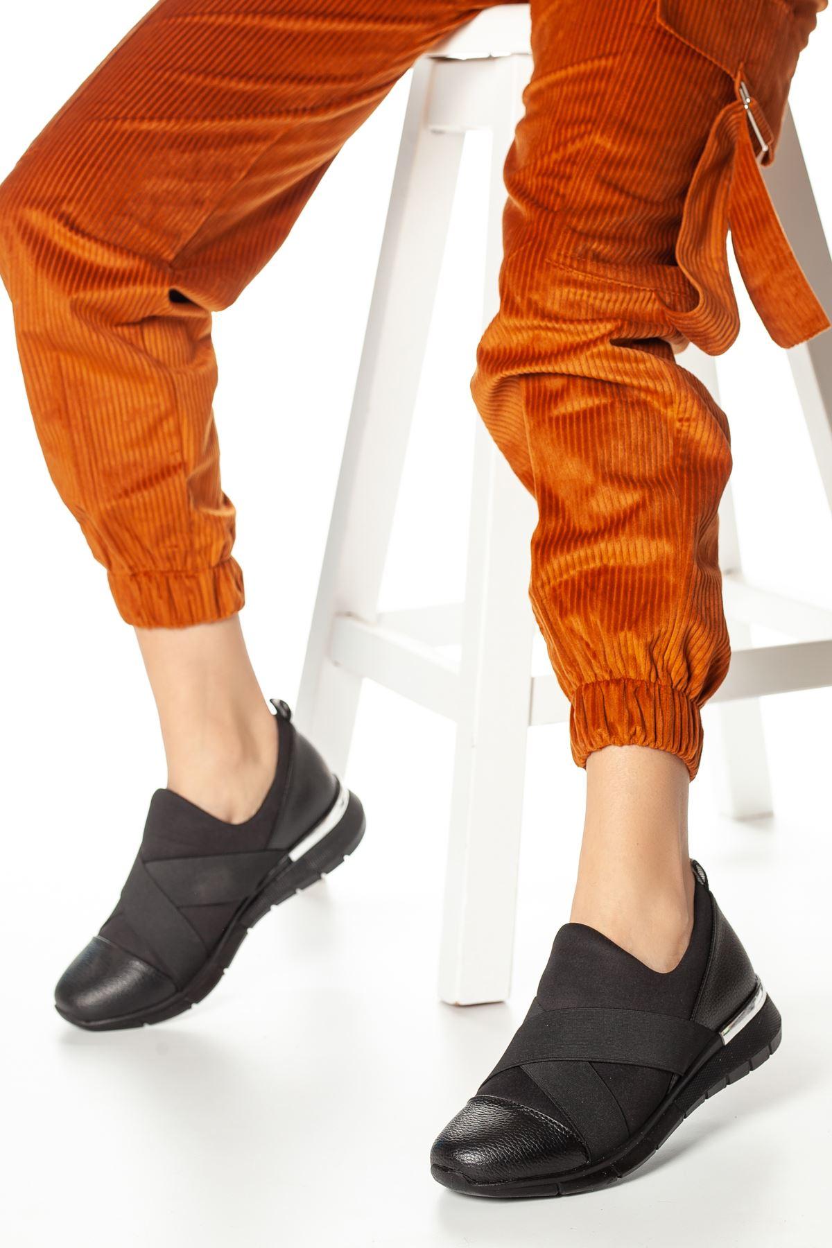 Sandy Bant Detaylı Ayakkabı Siyah