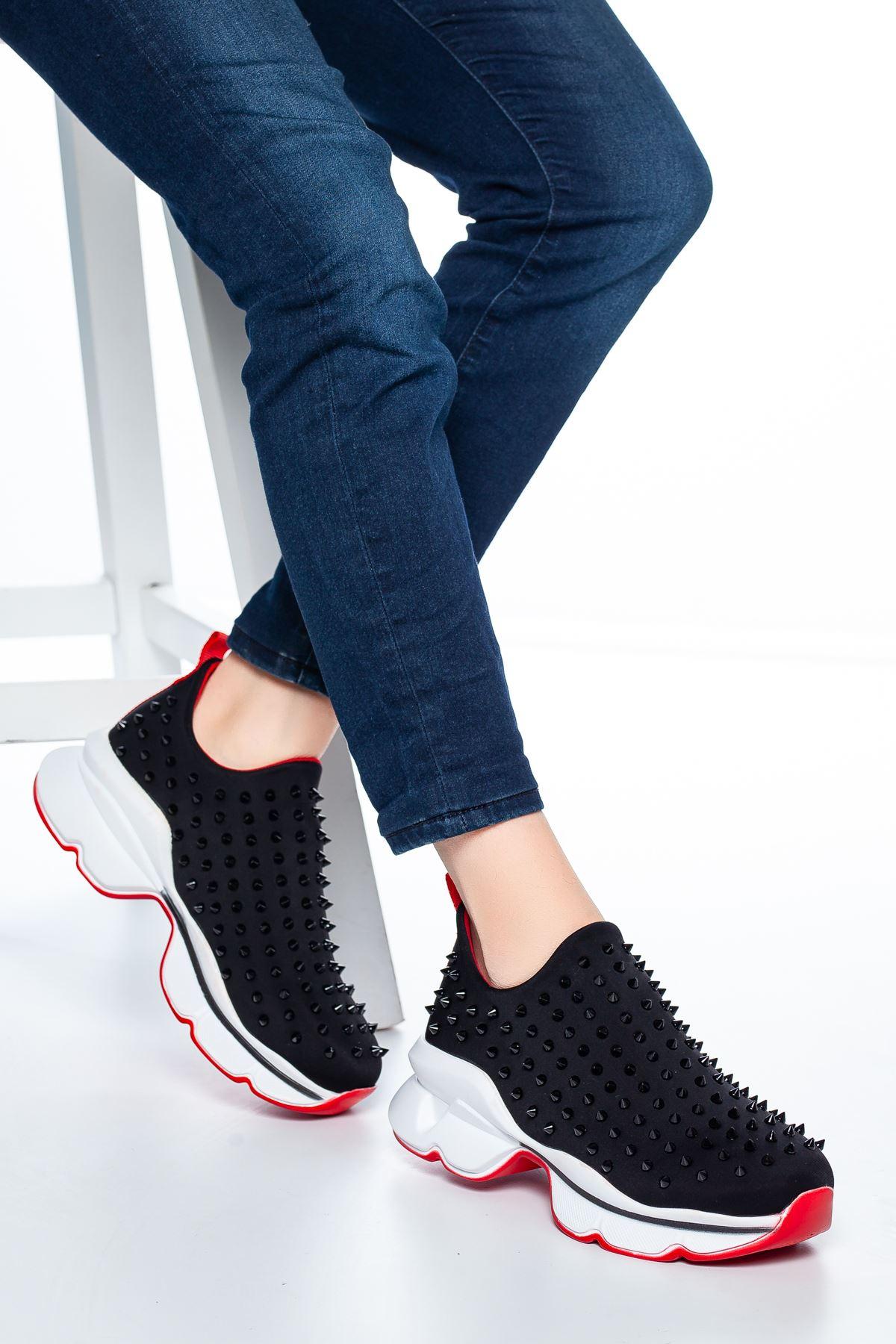 Bruno Çivi Detaylı Sneakers Siyah
