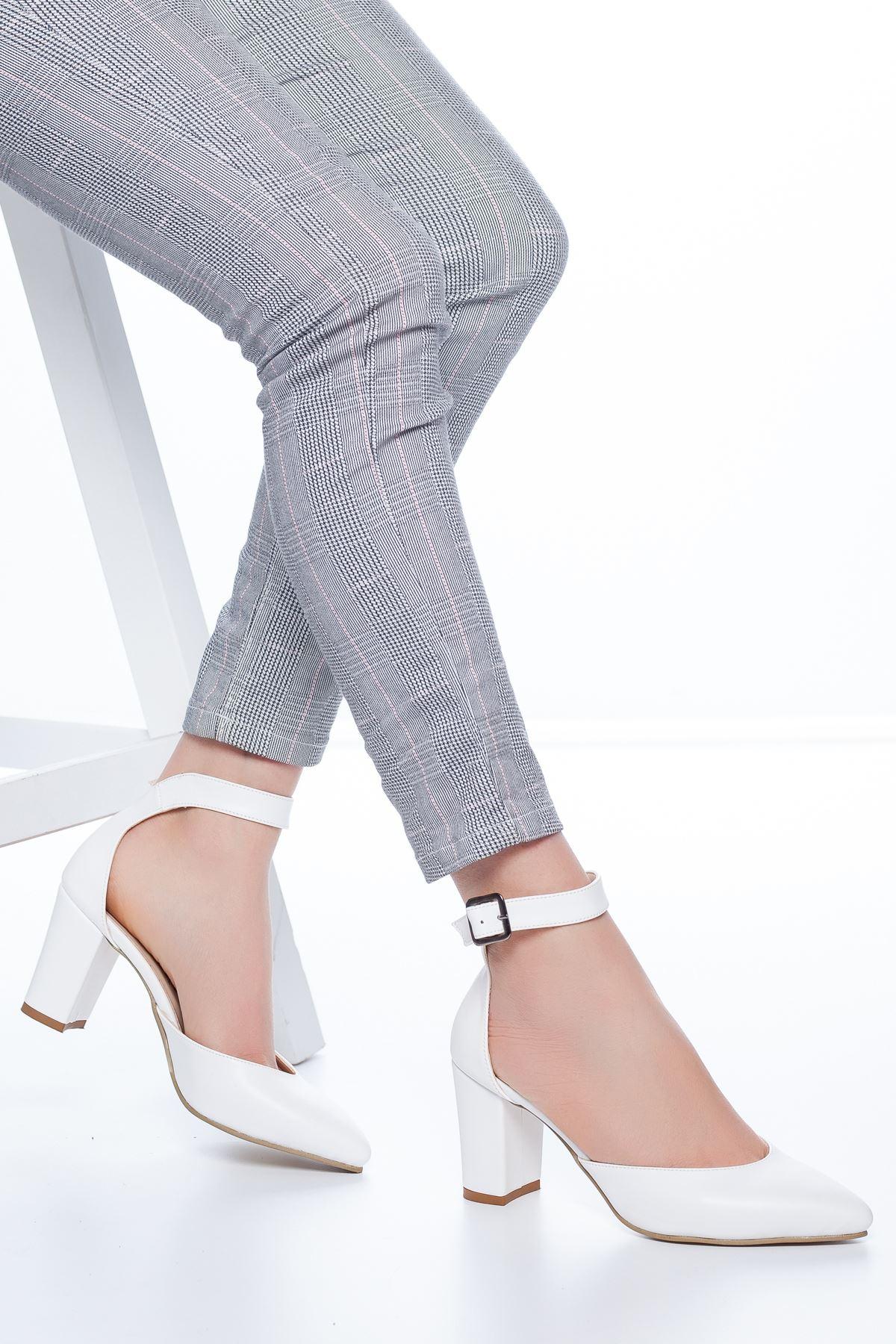 Celos Topuklu Cilt Ayakkabı Beyaz