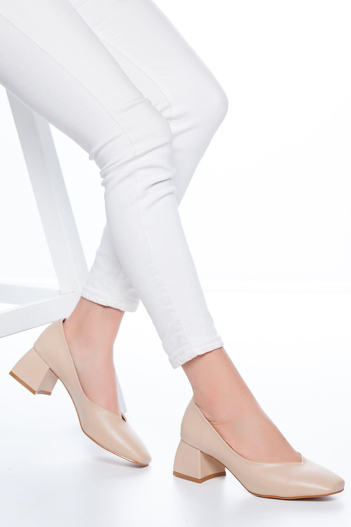 Adela Küt Burun Topuklu Cilt Ayakkabı Ten