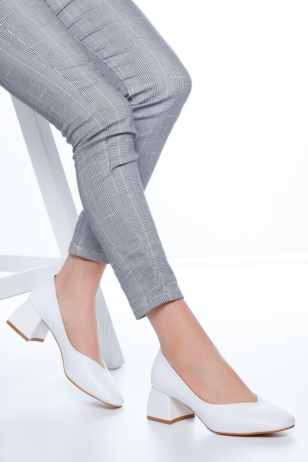 Adela Küt Burun Topuklu Cilt Ayakkabı Beyaz