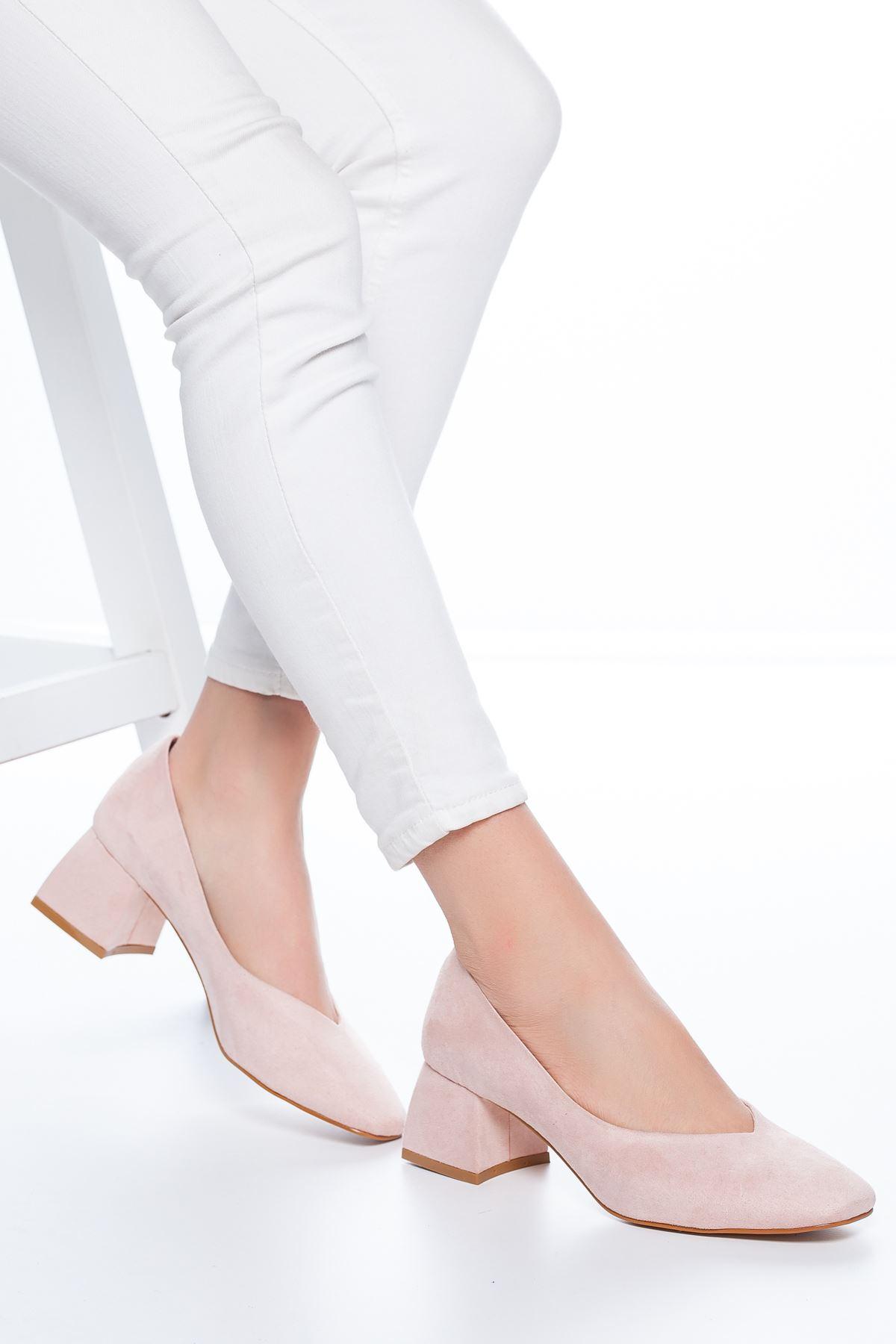 Adela Küt Burun Topuklu Süet Ayakkabı Pudra