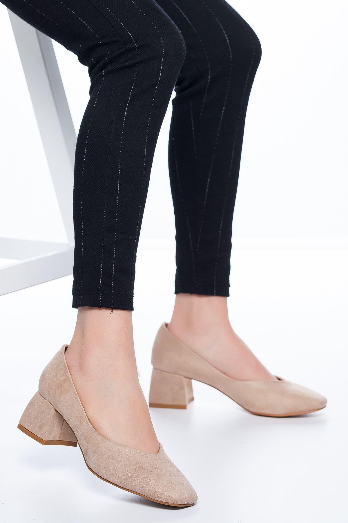 Adela Küt Burun Topuklu Süet Ayakkabı Ten
