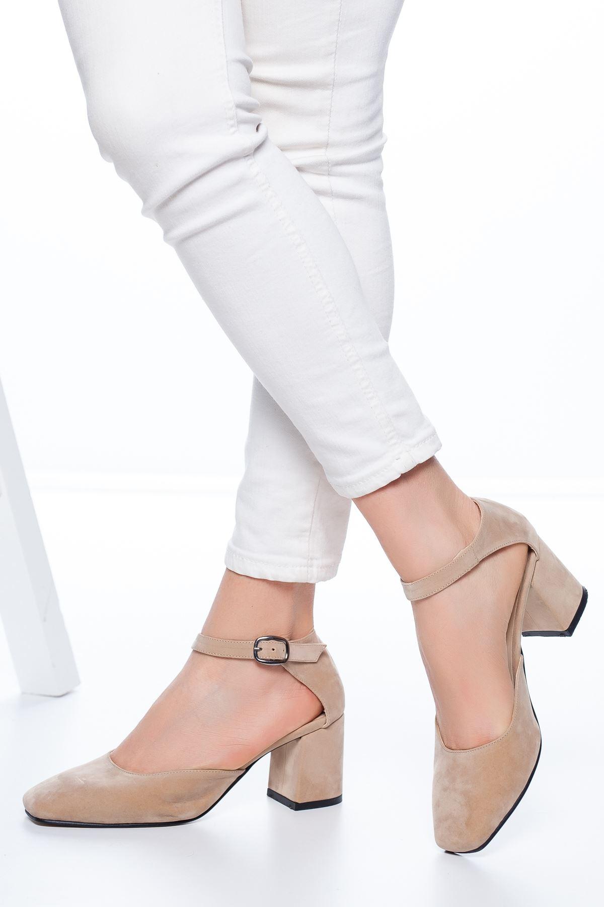 Dores Küt Burun Süet Topuklu Ayakkabı Ten