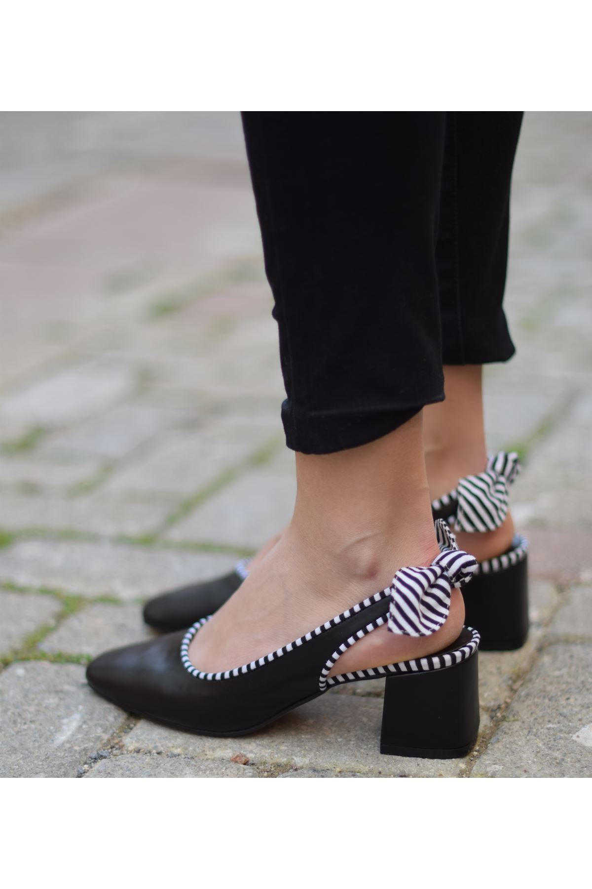 Raina Küt Burunlu Topuklu Ayakkabı Siyah