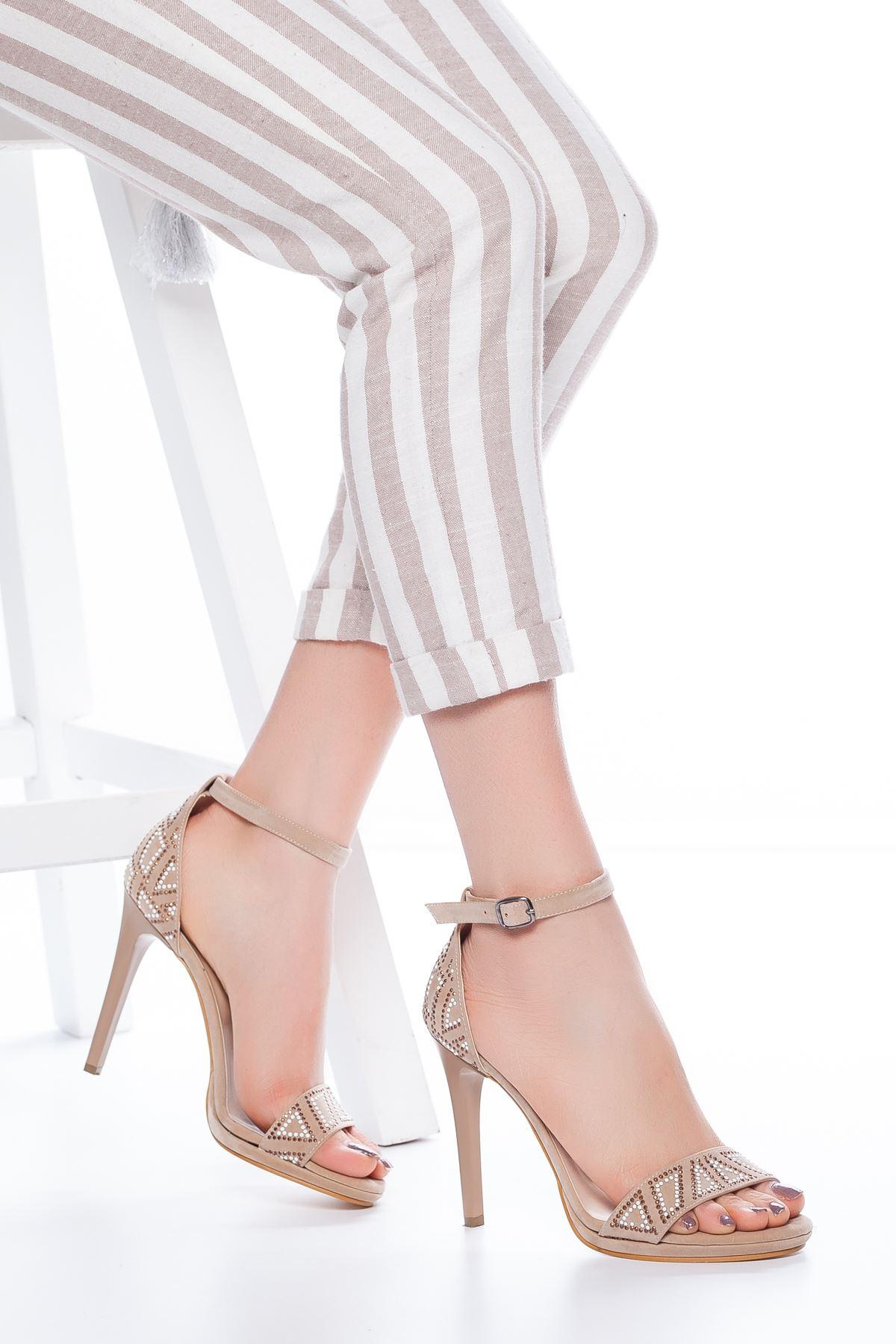 Fancy Taş İşlemeli Süet Topuklu Ayakkabı Ten