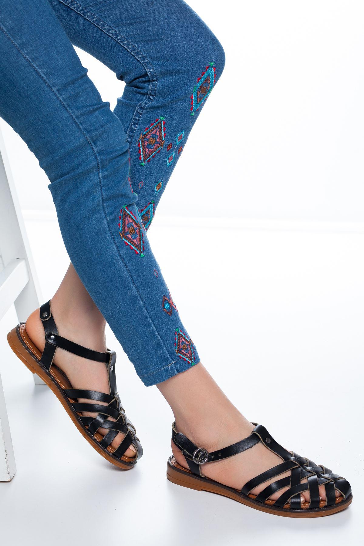 Flora  Deri Sandalet Siyah