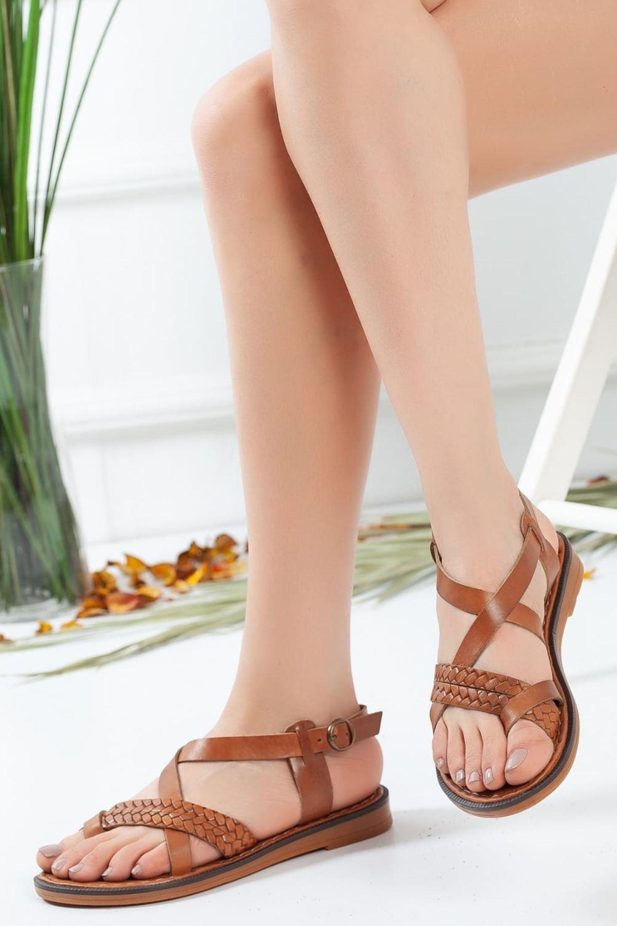Jena Örgü Detaylı Sandalet Taba