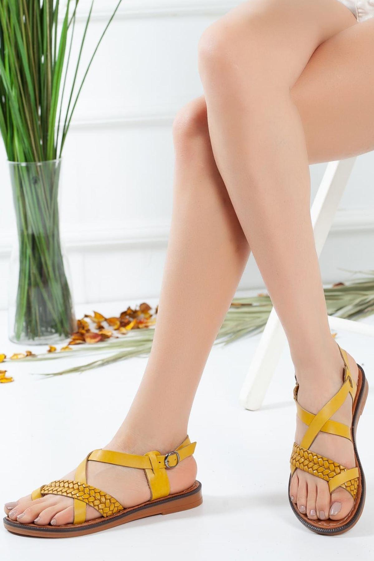 Jena Örgü Detaylı Sandalet Hardal