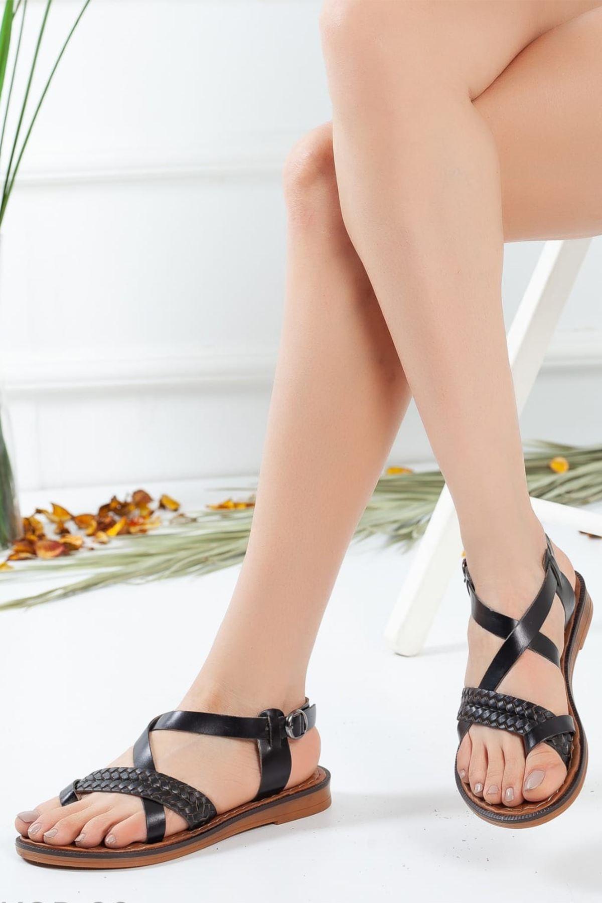 Jena Örgü Detaylı Sandalet Siyah