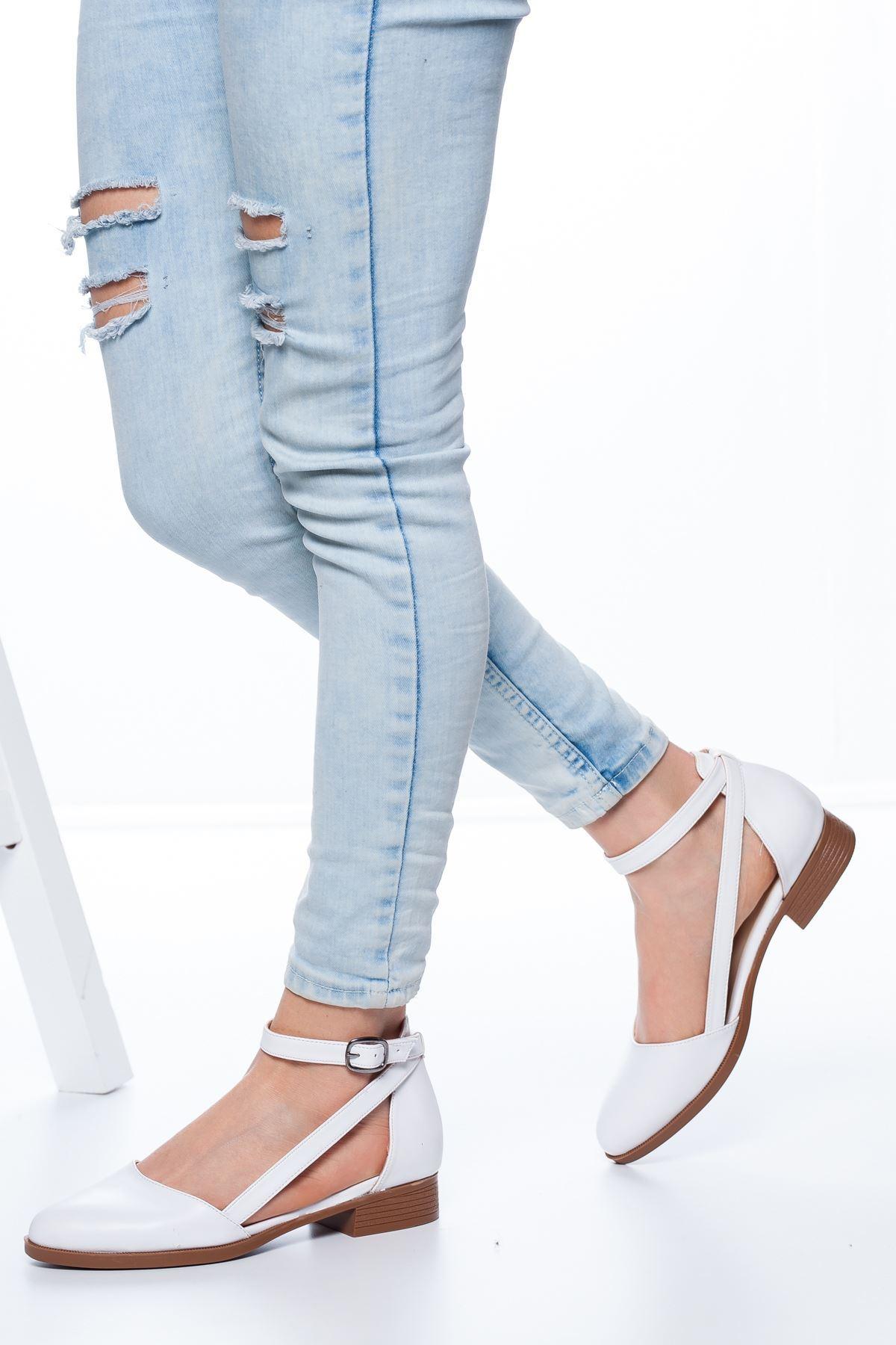 Polin Kısa Topuklu Ayakkabı Beyaz