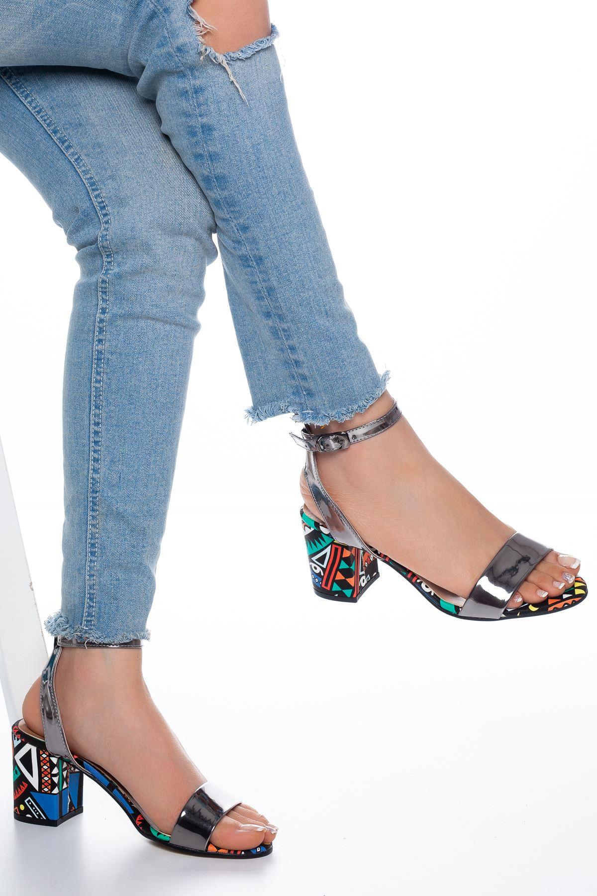 Panama Rugan Topuklu Ayakkabı Platin